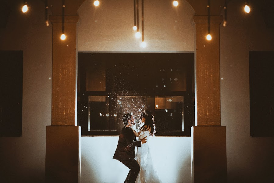 Wedding photographer Valery Garnica (focusmilebodas2). Photo of 29.08.2018