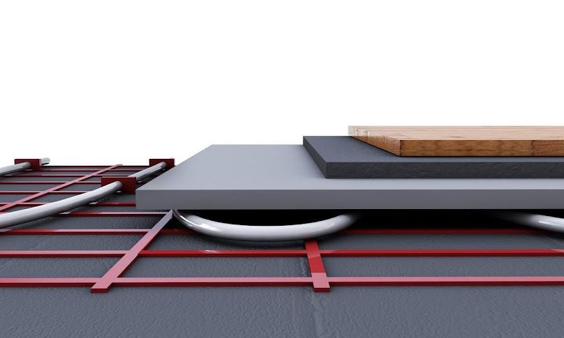 Wodne ogrzewanie podłogowe to sieć rur zagłębionych w warstwie betonu wylanego na podłodze