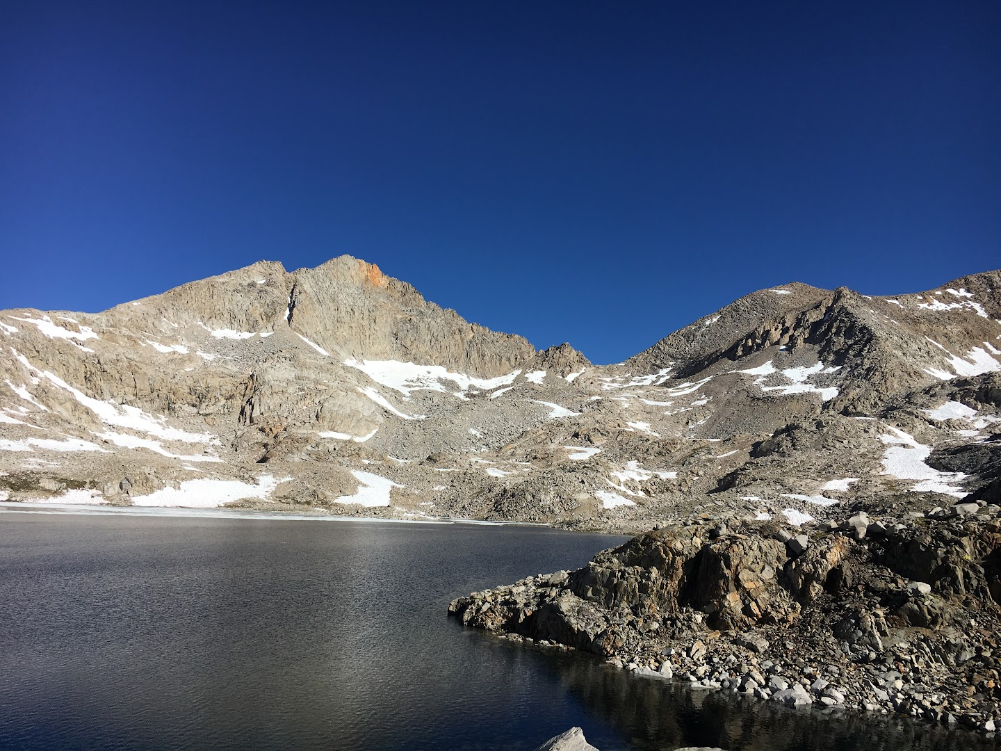 Mount Fiske above Helen Lake on a freezing morning