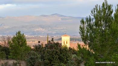 Photo: uitzicht op de Montagne Noir en de kerktoren van Tourouzelle