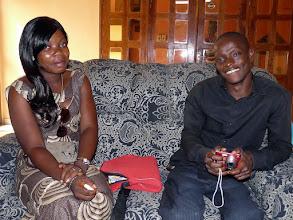 Photo: à Cotonou nous attendaient les filleuls, ici Victorin avec son amie Laurès, en 2ème année de licence en géographie