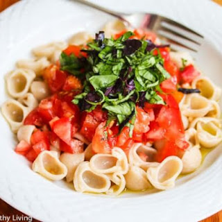 Pasta Primavera with Fresh Tomatoes, Basil and Garlic