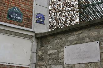 Photo: Street art - -Paris XVIIIe