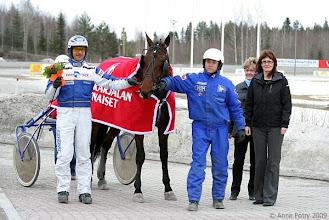 Photo: Etelä-Karjalan Ravinaisten nimikkolähtö Veeruska-raveissa 19.4.2009, lähdön voittaja Up-Date Hoss/Esa Holopainen