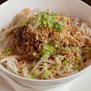 Dan Dan Noodle (Pork & Cashew)
