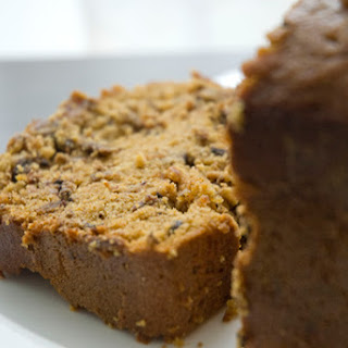 Betty Crocker's Bread Machine Pumpkin Spice Bread with Chocolate and Dates