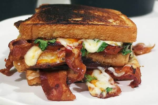 Bacon And Roasted Tomato Grilled Cheese Sammie Recipe