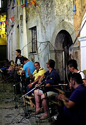 festa di quartiere a maratea di mousix