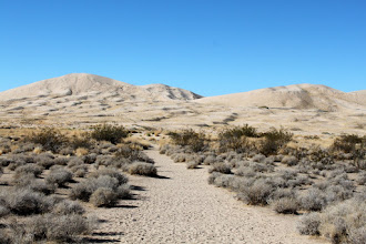 Photo: A few miles south of Kelso, we have the Kelso Dunes