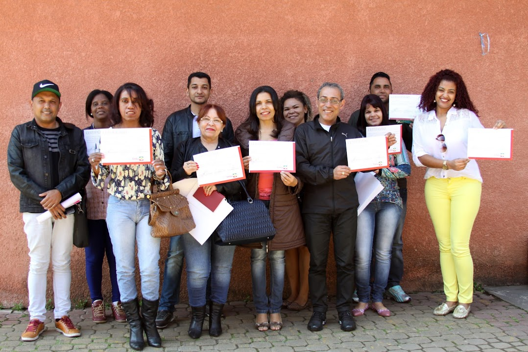 Vigilância Sanitária realiza palestra para setor da beleza
