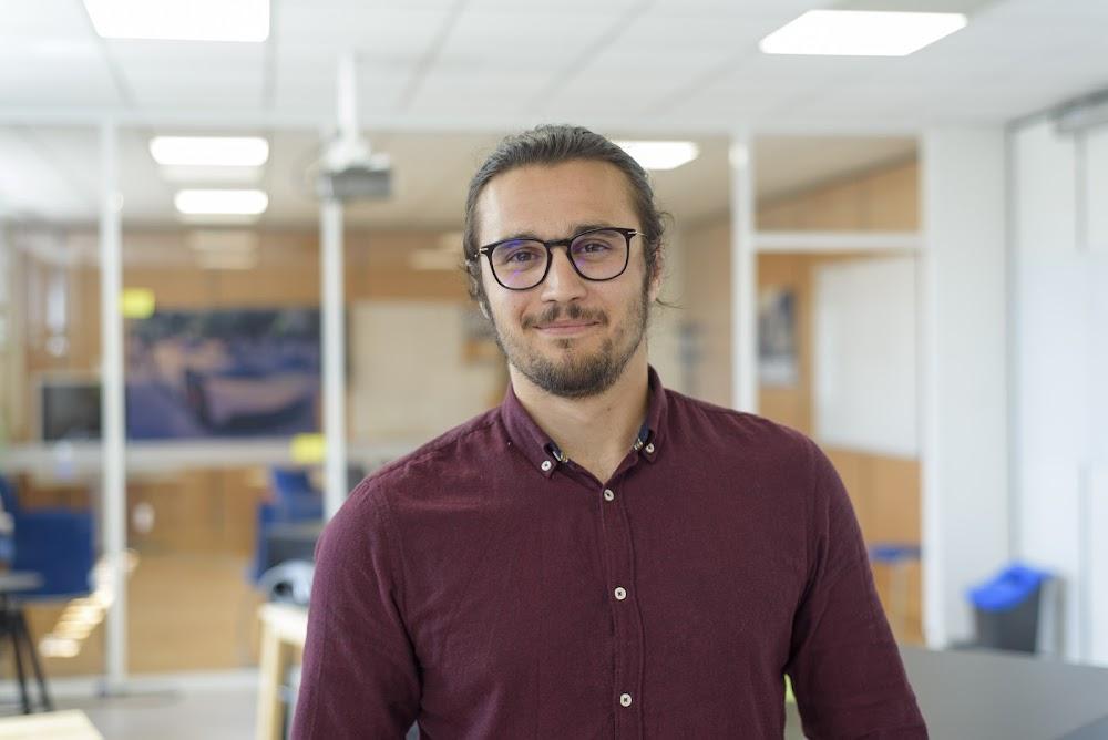 Yannick, Ingénieur Vérification Système