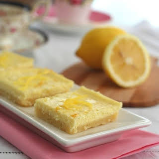 Lemon Cheesecake Bars with Shortbread Crust – Low Carb and Gluten-Free.