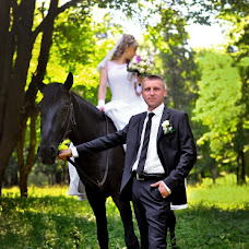 Wedding photographer Sergey Surin (Surin). Photo of 09.10.2013