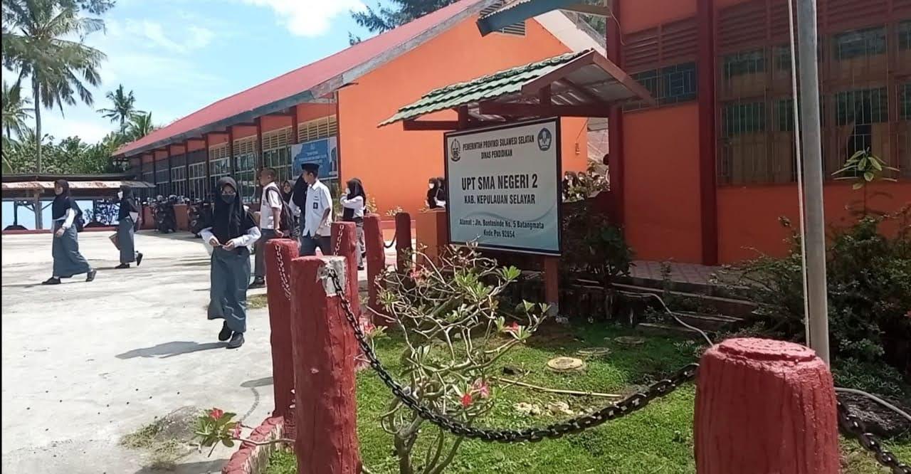 Berita Gembira dan Bahagia Selimutii SMA Negeri 2 Selayar