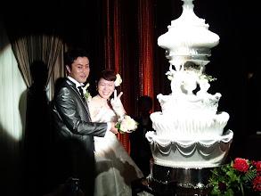 Photo: そして、「ウェディングケーキ、乳頭!」・・・あっ!まちがえた! 「入刀」かな?