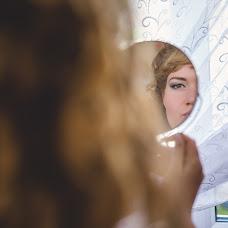 Wedding photographer Elena Mostovykh (Abrikatin). Photo of 25.10.2014