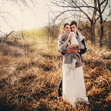 Wedding photographer Roman Savchenko (Rsavchenko). Photo of 11.02.2015