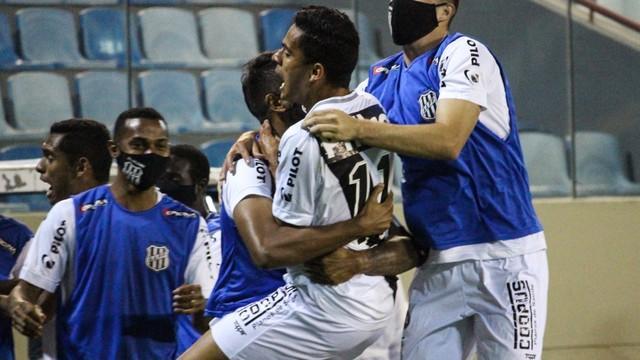 Bruno Rodrigues comemorando o gol em Ponte Preta x Novorizontino, 11ª rodada do Paulistão