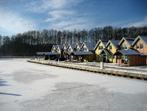 Photo: Das Hafendorf Rheinsberg bei Eis im Winter. weitere Infos unter http://www.inselhaus-rheinsberg.de