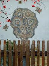 Photo: In so eine Volksschule gehen die Kinder sicher gerne: http://anetteliedke.de/wp-content/uploads/2012/05/krawi_3_2.jpg