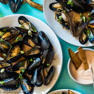 Steamed Mussels with Ginger Oyster Sauce.