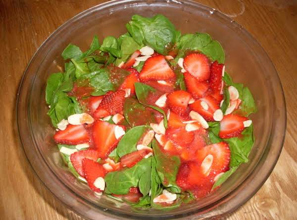 Fat Free Spinach Strawberry Salad