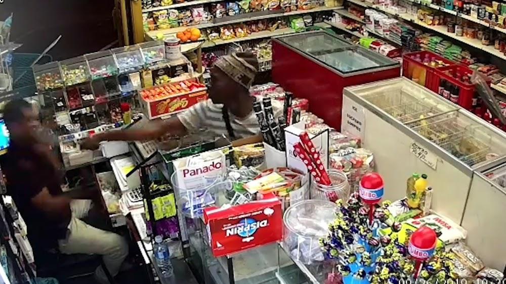 KYK | 'Hero' red die eienaar van 'n panga-rower in Kaapstad - TimesLIVE
