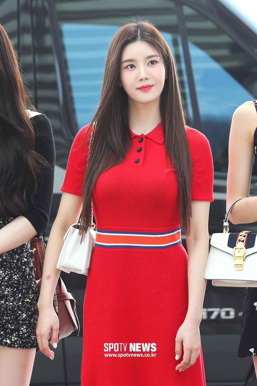 eunbi red dress1
