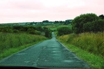 Photo: BRETANYA 2013. PRESQU'ÎLE DE CROZON ( Kraozon en bretó ). carretera comarcal d'accés a la punta de PEN-HIR.
