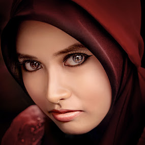 by Fery Hendrawan - People Portraits of Women