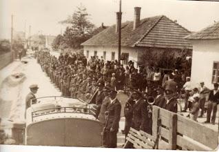 Photo: Tűzoltó-ünnepség Nemesócsán. A csicsói tűzoltók ekkor kaptak motoros fecskendőt, 1968-1969?
