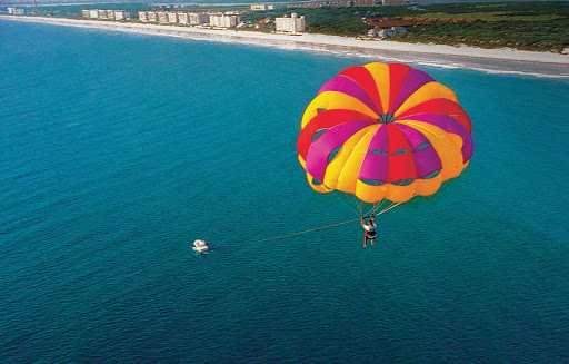 Parasailing in Florida: Don't knock it unless you've tried it.