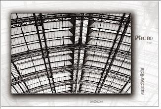 Foto: 2007 07 11 - R 06 09 10 062 d1 - P 014 - Das Dach der Bahn
