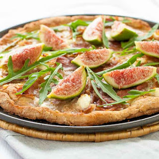 Fresh Fig, Prosciutto and Arugula Pizza.