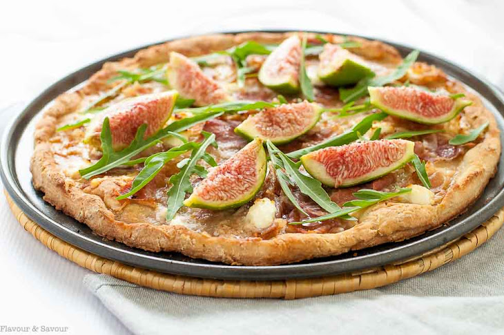 Fresh Fig, Prosciutto and Arugula Pizza Recipe