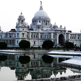 The VICTORIA MEMORIAL by Jaydev Chakraborty - Buildings & Architecture Statues & Monuments