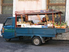 Photo: Mobile greengrocer, piazza Victor Emmanuele, Taormina