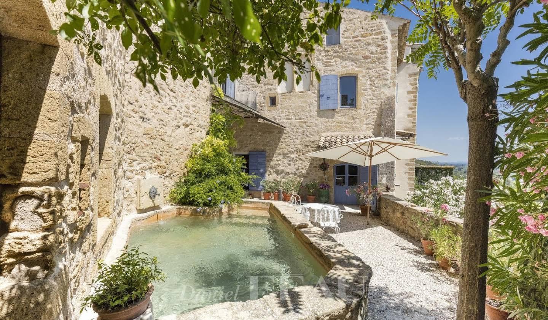 Propriété avec piscine et jardin Lauris