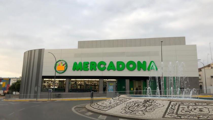 Mercadona estrena su nueva tienda en Berja.
