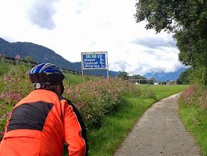 Photo: Der Inntalradweg (85 km) bis Innsbruck ist länger als die Autoroute, weil er sich schlängelt, teilweise auch unbefestigt.