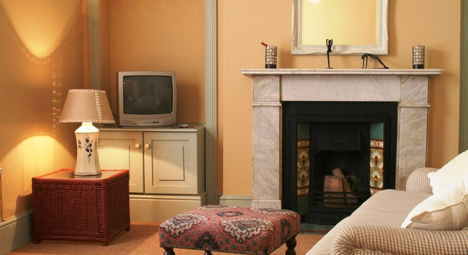 Mountain Manor Guest House & Self Catering