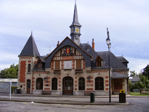 Photo: A Saturday trip to Senlis is by train north to Chantilly, then a bus to the architecturally interesting Senlis station - but that is in name only, as there are no longer even remnants of tracks in the area. The station was built in 1922 following the destruction of an earlier one in WW I. It now serves as the home of the town's employment office.