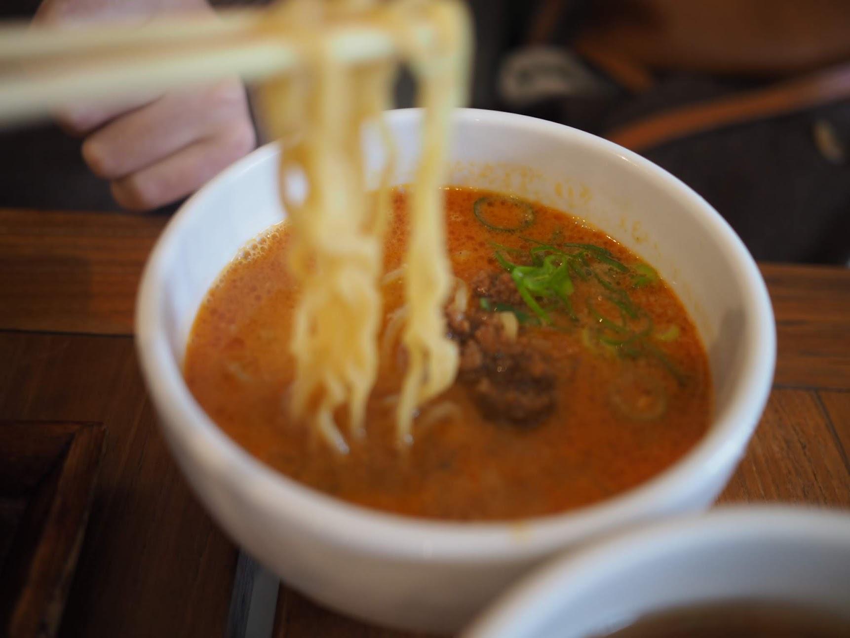 ヌーリーチャイニーズキッチンの担々麺