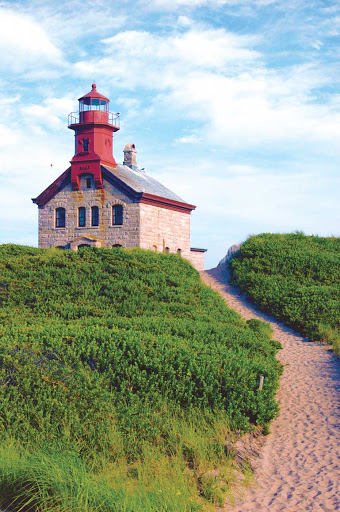North-Light-Block-Island.jpg - Experience the natural beauty of Block Island, a favorite of guests aboard American Cruise Lines.