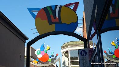 """Photo: """"Nachbars Katze""""; Otmar Alt (1992 und 2006); Fußgängerzone, Rödinghauser Straße / Weststraße"""