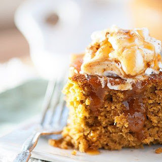 Slow Cooker Pumpkin Cake with Caramel Sauce
