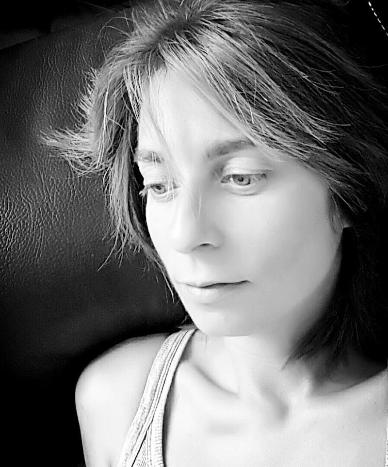 Myself(ie) di Raffaella De Luise