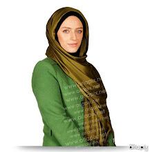 Photo: نگین معتضدی در نقش وکیل آقای مشکات