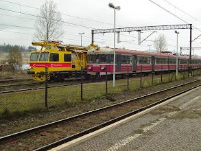 Photo: Sędzisław: EN57-850 jako 217 Wrocław-Jelenia Góra, obok PS00-14