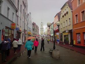Photo: Żagańską uliczką do klasztoru w ulewnym deszczu